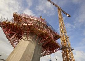 South pylon hammerhead – October 2015